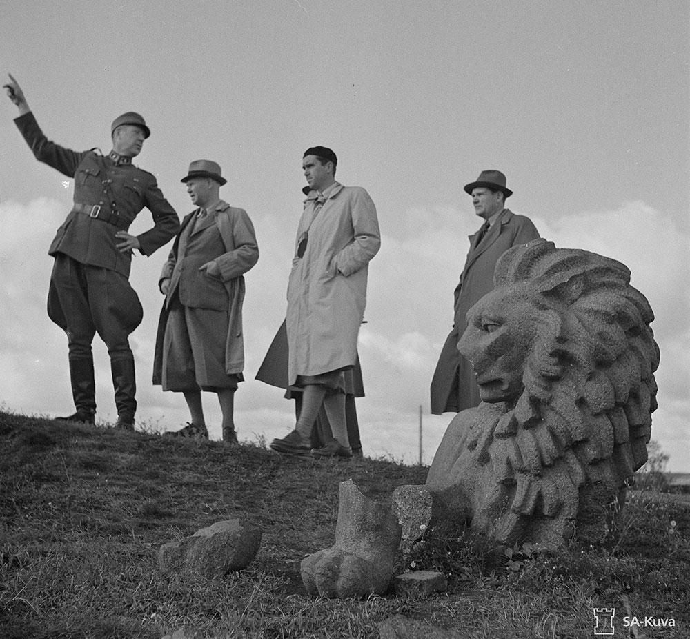 Itsenäisyyden leijona hajonneena jatkosodan aikaan.