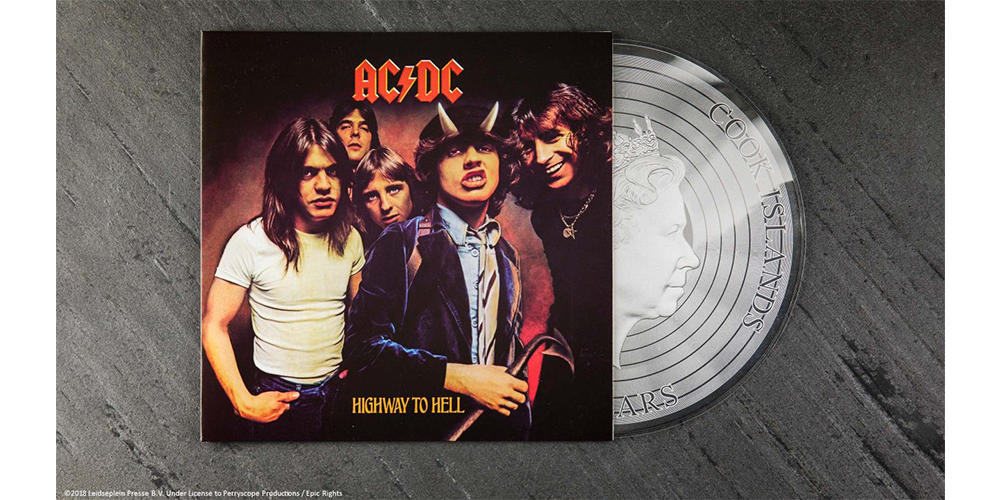 AC/DC Highway to Hell-hopearaha kotelossa