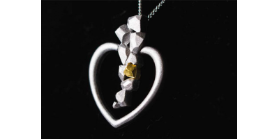 Lemmenjoen sydän -hopeakoru